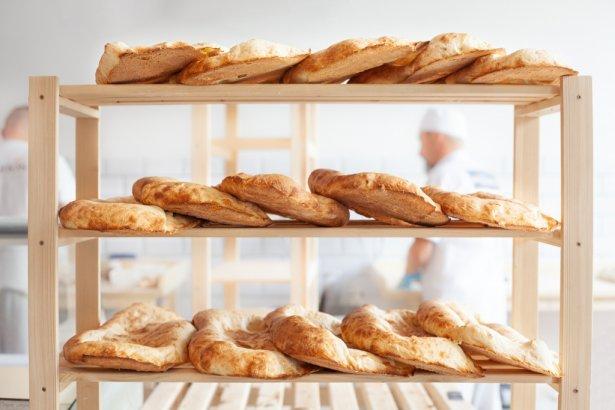 Gruziński chleb puri z sieci piekarni Batumi. Zdjęcie: materiały prasowe.