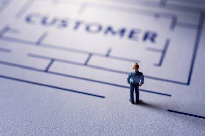 Klient w labiryncie. Co o nim wiemy? Foto: Shutterstock.