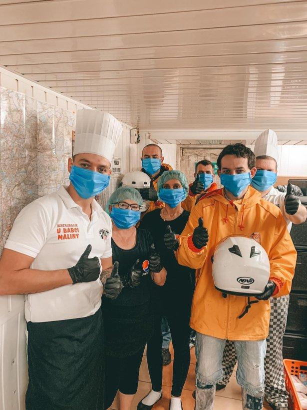 Ekipa restauracji Kuchnia u Babci Maliny. Zdjęcie: materiały prasowe.