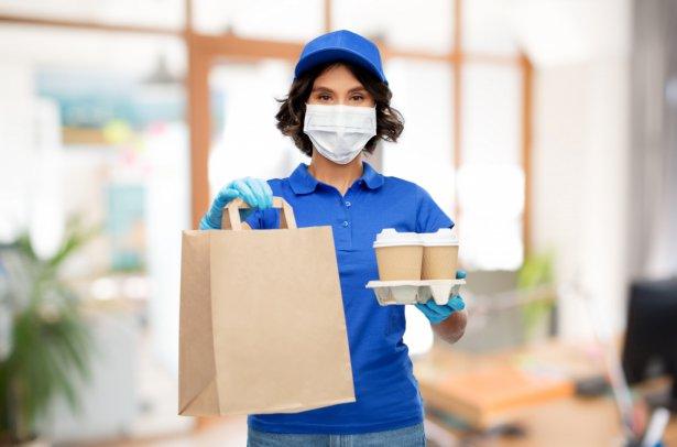Zadbaj o bezpieczeństwo posiłków w dostawie. Zdjęcie: Shutterstock.com.