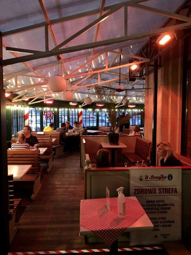 Wnętrze restauracji U Szwejka W Warszawie. Fot. Agata Godlewska