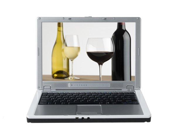 Sprzedaż alkoholu przez ineterent - jest projekt nowelizacji ustawy. Zdjęcie: Shutterstock.com.