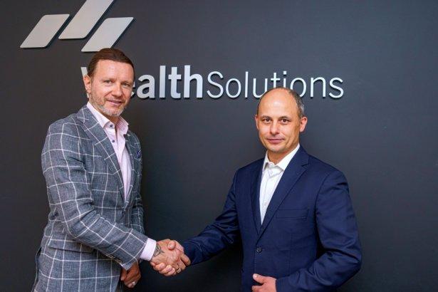Radosław Majdan i Radosław Butryn, prezes zarządu Wealth Solutions SA. Zdjęcie: materiały prasowe.