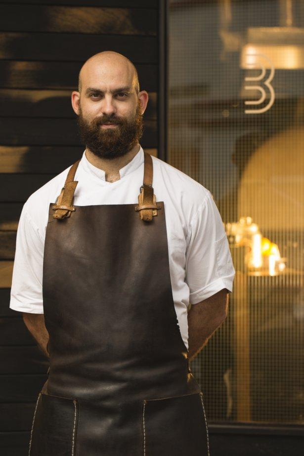 Dave Pynt, szef i właściciel restauracji Burnt Ends (1* Michelin, nr 10 na liście Asia's 50 Best Restaurant). Zdjęcie: materiały prasowe.